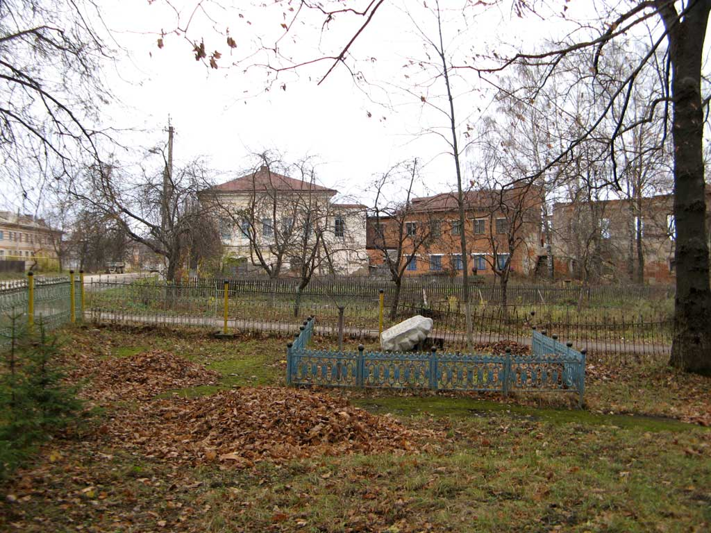 Заказ памятника на кладбище Чекалин памятник с ангелом Удачный